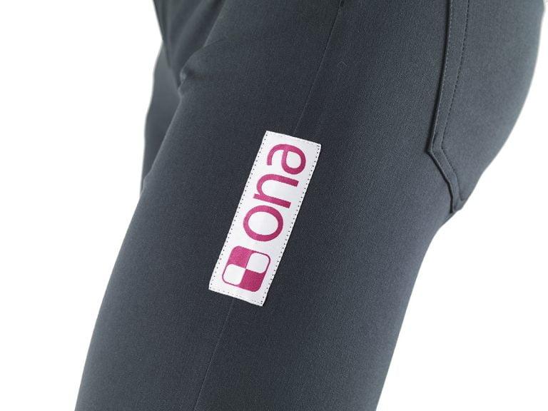 ladies-grey-jeans-03-name-detail
